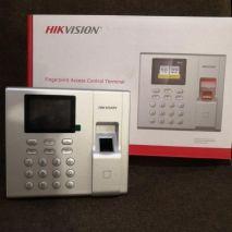 Mua Máy chấm công vân tay HIKVISION DS-K1T8003F ở đâu uy tín